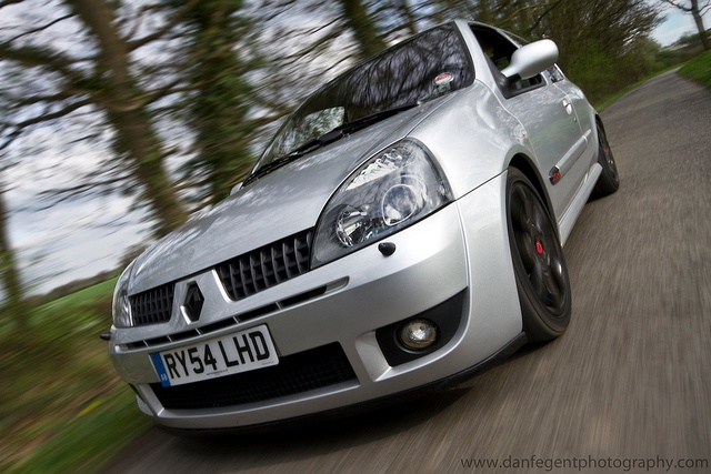 Clio RS 182