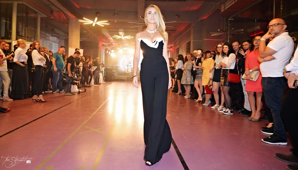 Alexandra Calafeteanu 4