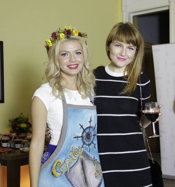 Alexandra Ungureanu si Camelia Capitanu-001