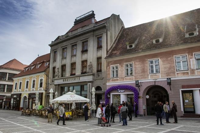 magazinul-farmec-din-brasov-exterior