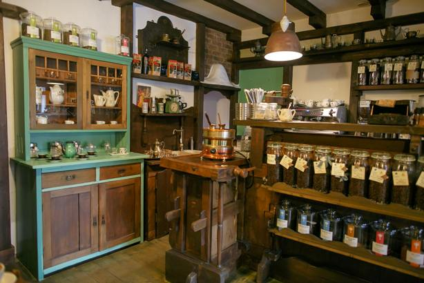 leonard-caffe-3