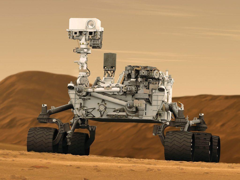 Roverul Curiosity pe suprafața planetei Marte