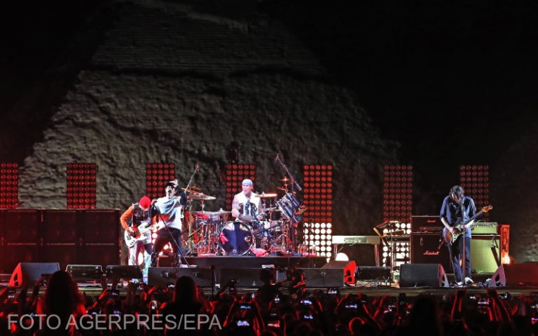 Red Hot Chili Peppers - Concert Piramide Egipt