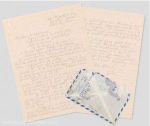 Scrisorile semnate de Leonard Cohen adresate muzei sale, Marianne Ilhen. Scrisorile vor fi scoase la licitație.