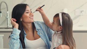 În luna martie, FOREO oferă femilor un dispozitiv gratuit