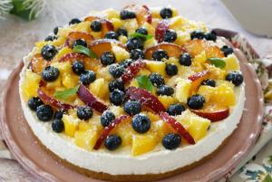 Cheesecake cu fructe, fără coacere.
